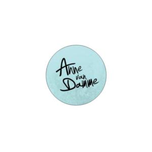 Een toffe sticker met mijn logo zodat jij aan iedereen je support kunt laten zien!
